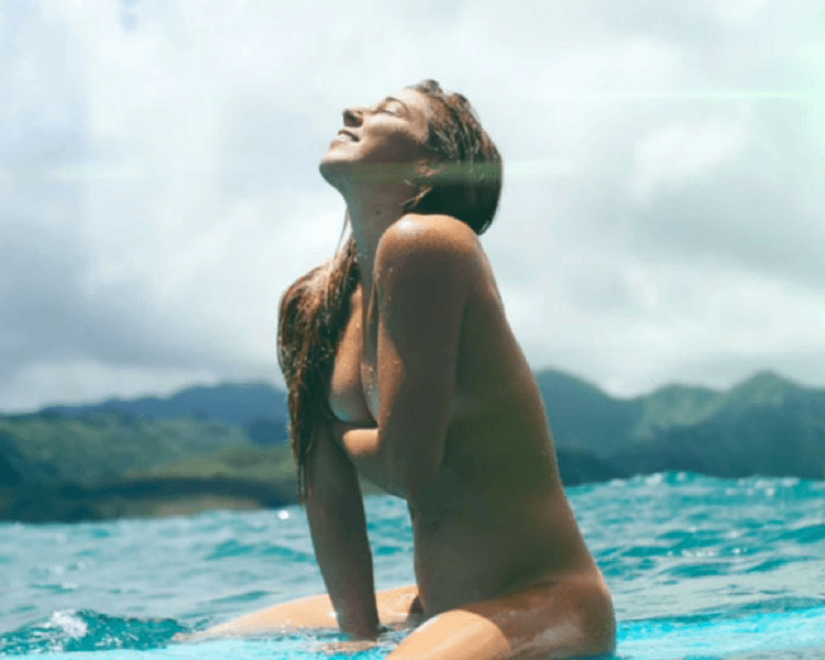 coco-ho_surfer_girl-sexy