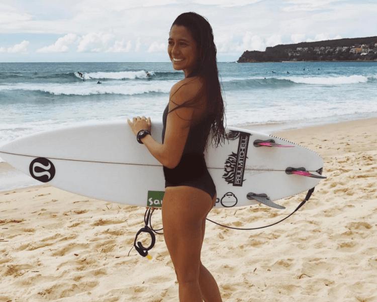 maliamanuel-sexy-surfergirl